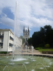 angers_fountain_cathedral-jpg