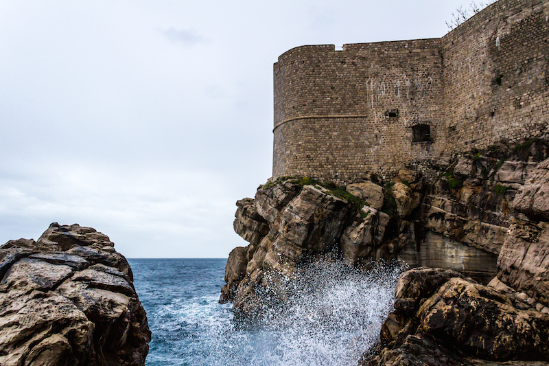 dubrovnik_water_splash_wall
