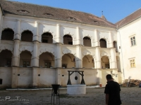 fargaras_citadel_courtyard