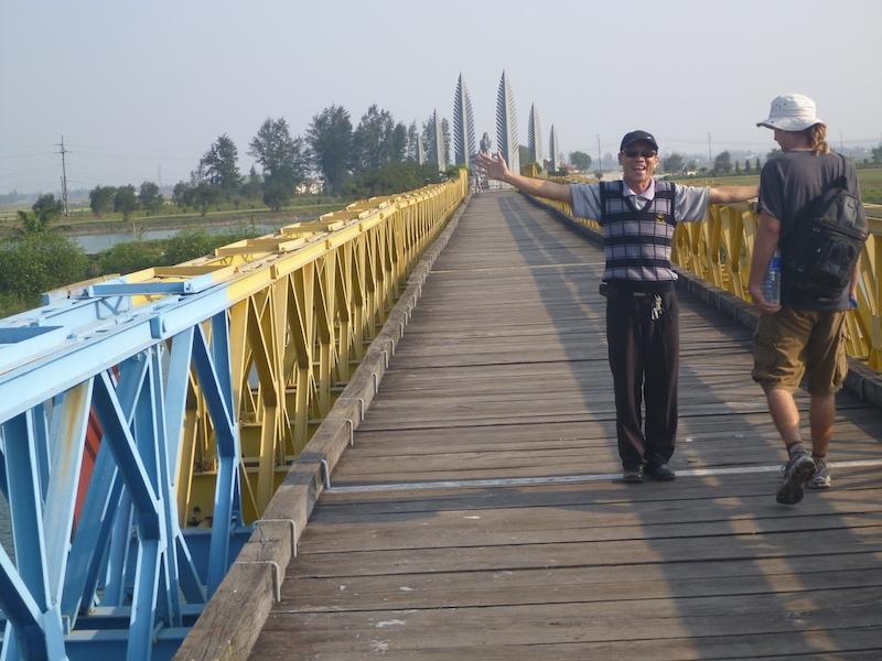 dmz vietnam bridge