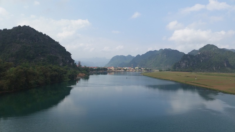 bicycle touring in Vietnam