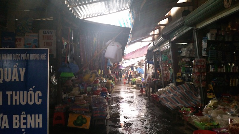 covered market in Vietnam