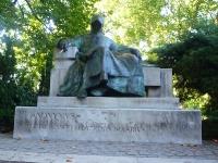 anonymous_statue_budapest_hungary
