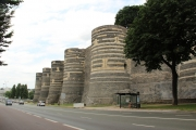 angers_castle_walls-jpg