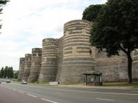 angers_castle_walls-jpg
