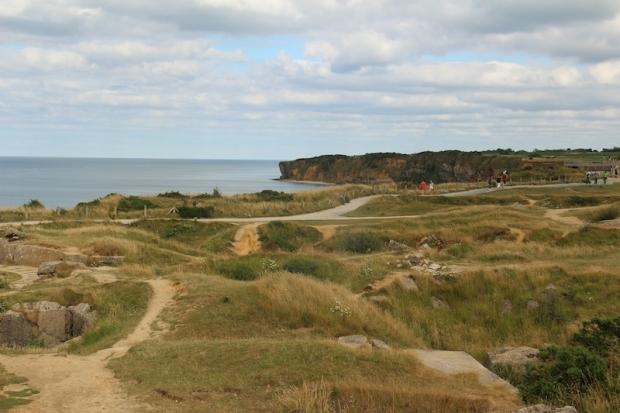 bunkers_craters_pointe_du_hoc-jpg