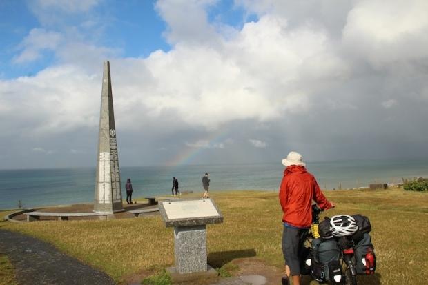 d_d_beach_monument-jpg