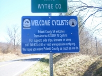 welcome_cyclist_sign