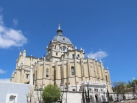 catedral_de_la_almudena_outside