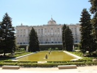 madrid_royal_palace_garden_pond