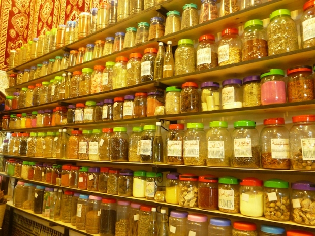 meknes_spice_shop_jars
