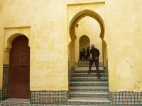 mausoleum_walkway