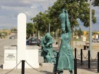 portel_memorial_statue
