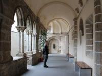 ron_entrance_outside_chapel