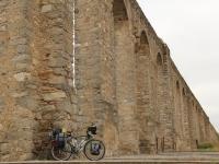 ron_bike_aquaduct