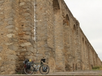 ron_bike_aquaduct