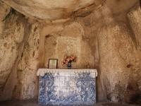 stone_chapel_inside