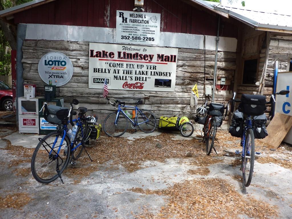cycling in Florida, Lake Lindsey Mall